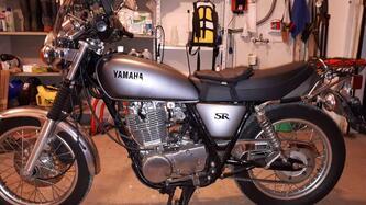 Yamaha SR 400 (2013 - 17) usata