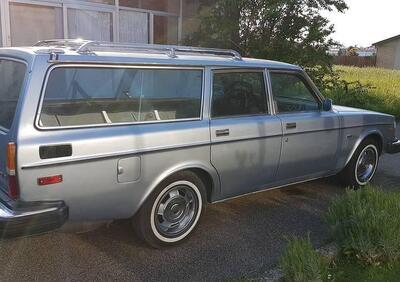 Volvo 245 GLE  epoca