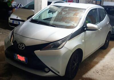 Toyota Aygo 1.0 VVT-i 69 CV 5 porte x-play