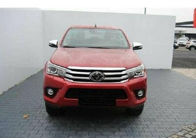 Toyota Hilux Pick-up 2.D-4D 4WD porte Double Cab Comfort usato